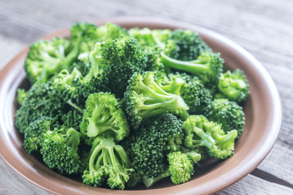 Cooked broccoli; food with high fiber content